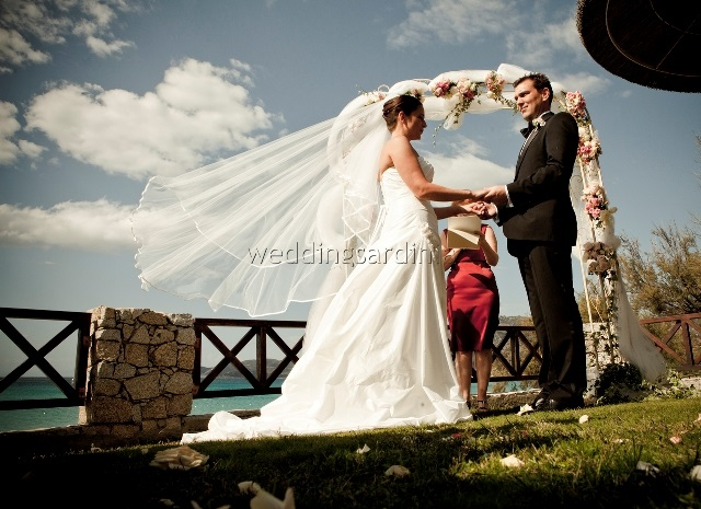 David and Kristina had a beautiful wedding day in the seaside town of Villasimius (south east coast) starting with an intimate ceremony on a terrace in fron