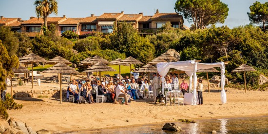 beach ceremony in Italy
